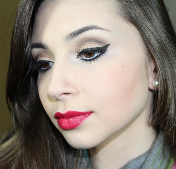 3-maquiagem-neutra-com-batom-vermelho